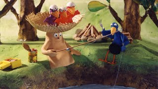 Capelito saves an egg as it falls out of a nest and a chick is born in his hands. He transforms his cap into a straw carrousel, and the whole family of birds install ...