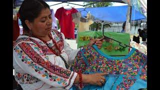 Indígenas mexicanas muestran sus artesanías en Chicago