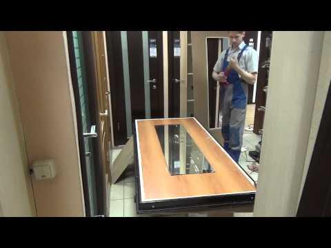 Приклеиваем накладку с зеркалом на дверь Torex Ultra M-5.