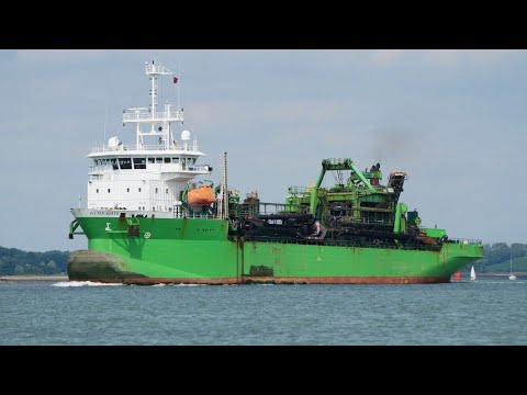 VICTOR HORTA - hopper dredger outbound from ipswich 14/8/17