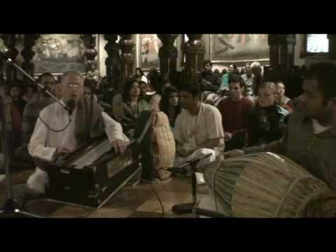 NY Eve Bhajan - Mukunda Datta das - Gaura Haribol - 11/21