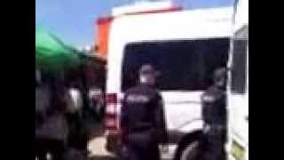 Patimi cu poliție la poarta Pieței Centrale