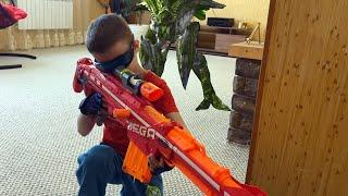 Nerf war monster invasion of the house Нерф вар вторжение монстров в дом