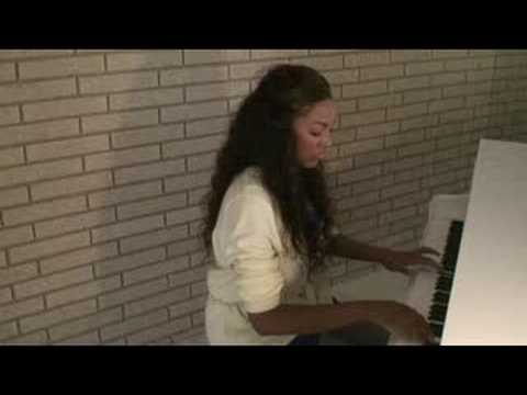 Drew Sidora Plays piano