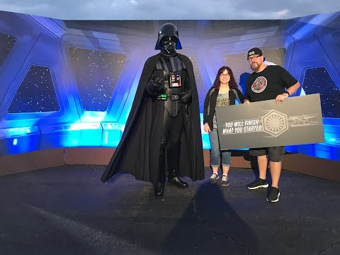 Cheering On Runners At The 2018 Walt Disney World Star Wars Half Marathon