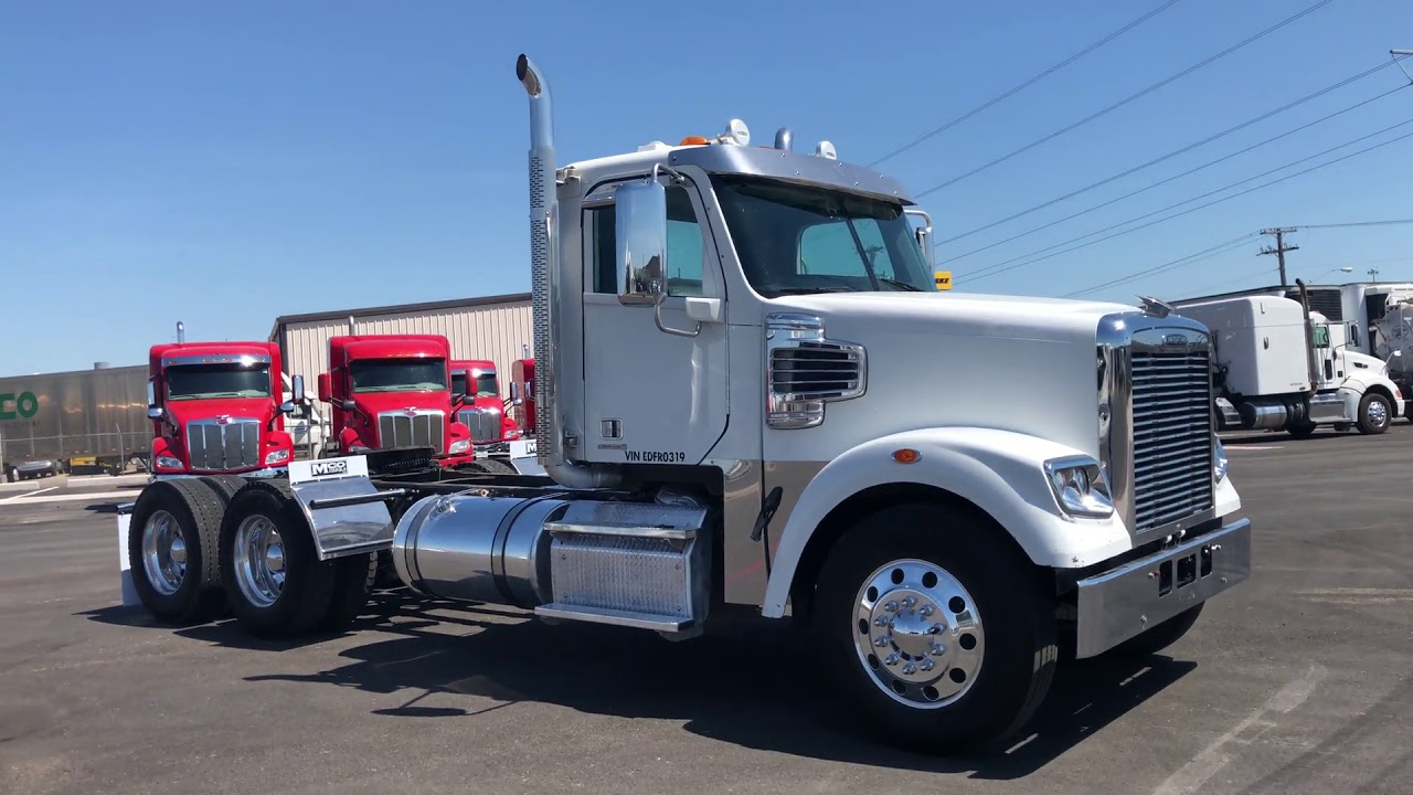 2014 FREIGHTLINER 122SD For Sale