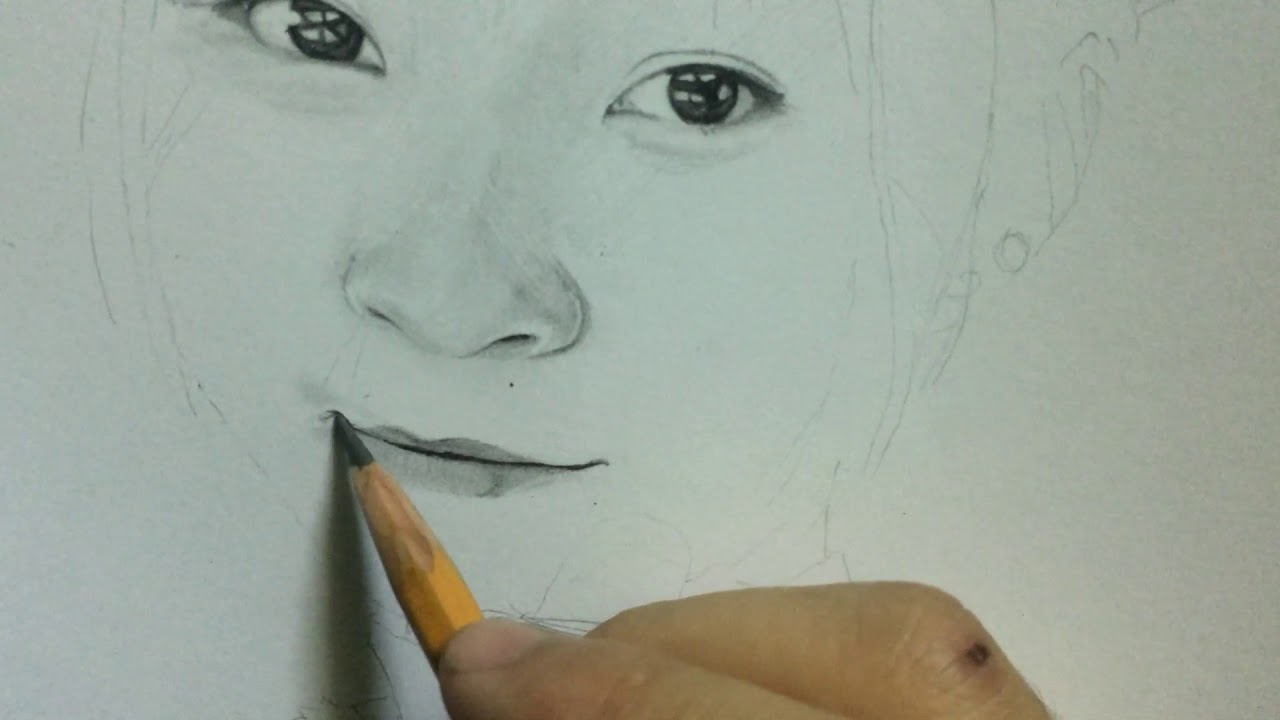 Step 3 : Vẽ miệng ( to draw the mouth)
