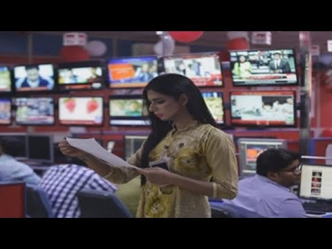 La primera transexual presentadora de TV rompe barreras en Pakistán thumbnail