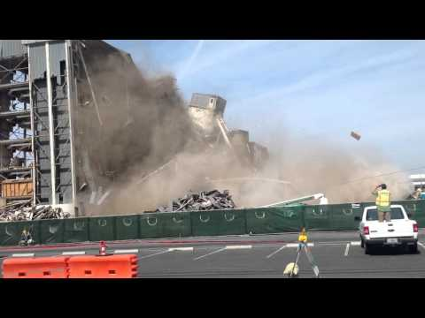 Naval Weapons Station Building Demo 03/02/16 - GGG Demolition
