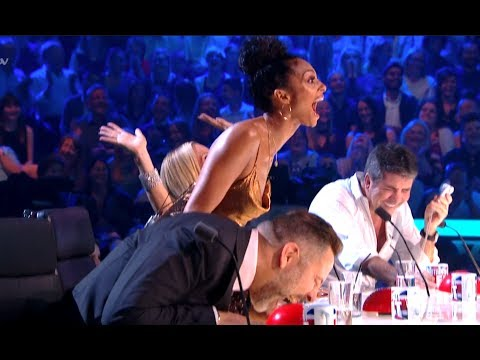 ROFL! Golden Buzzer Comedian Makes Judges Can't Stop LAUGHIN
