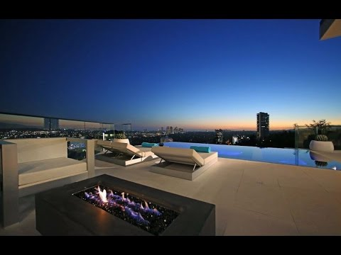 8931 St. Ives Drive | Hollywood Hills