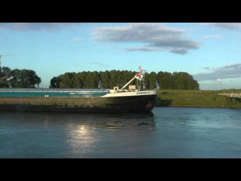 cruising from Kinderdijk to Amsterdam on Viking Kara (1 of 2)