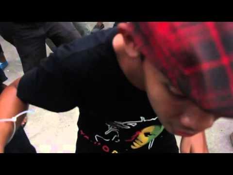 Tony Q Rastafara - Tertanam (Live Performance)
