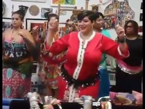 شيخة امريكية تعلم أمريكيات الرقص ديال الشيخات المغربيات في قلب نيويورك thumbnail
