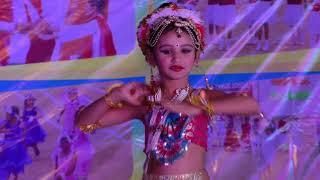 very beautifull dance by littile girl Anokhi yerpude [Annual function-2017]
