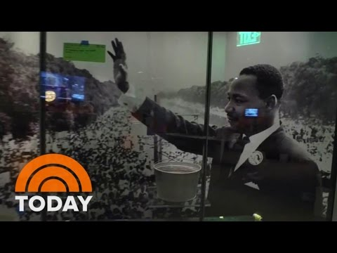 Lester Holt Shares First Look Inside Smithsonian's New African American Museum | TODAY