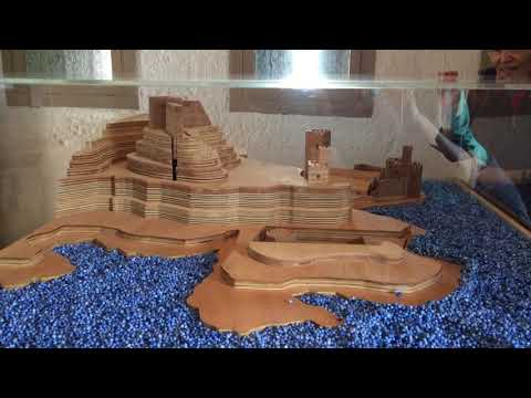 Video of Carole and Richard Carter with moving castle model at Dartmouth Castle on 10th Aug