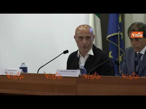 """Minniti: """"Ci sono 10 navi Ong in Mediterraneo, solo 1 è momentaneamente impedita"""""""
