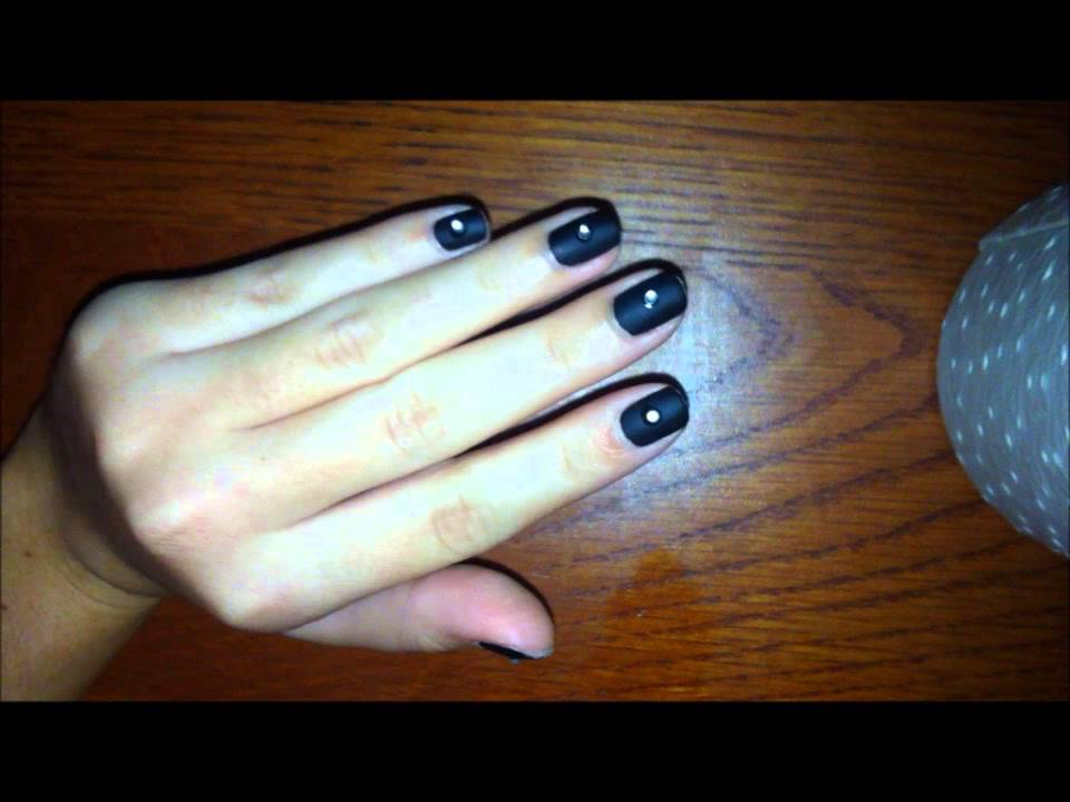 Uñas negro mate y brillante en medio - YouTube