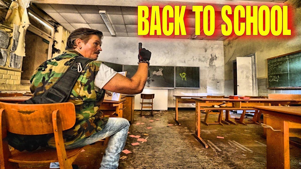 Back to School / Die Schule im Wald / Sind da Stimmen ??