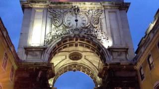 コメルシオ広場の勝利の門  リスボン   ポルトガル