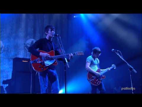 Arctic Monkeys - Diamonds Are Forever (Glastonbury 2007)