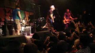 Less Than Jake - Help save the youth of america from exploding (live in curitiba)