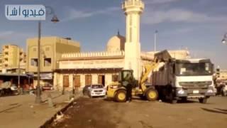 بالفيديو: مجلس مدينة العريش يواصل عمليات النظافة في المحافظة