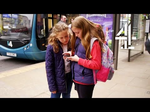 10-Year-Old and 8-Year-Old Get LOST in Nottingham Without Mum Around | Alone at Home