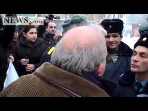 Situation Is Again Tense At Downtown Yerevan Park