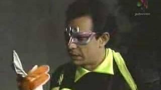 Download Derbez en cuando - Super Portero - Accidente Mp3 and Videos