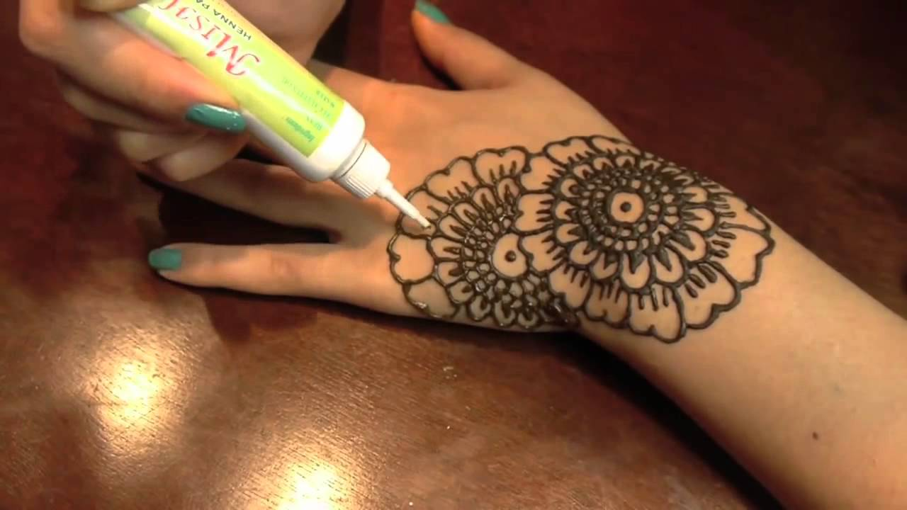 Henna Tattoo Tutorial : Henna tattoos for your shoulder u get creative with inspiring designs