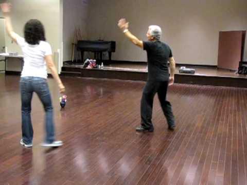 "Israeli dance: ""Ratziti"