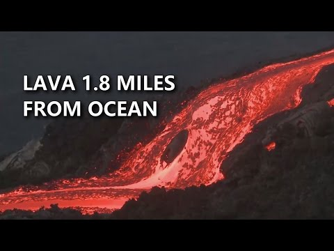 Lava In Hawaii Volcanoes National Park (July 3, 2016)