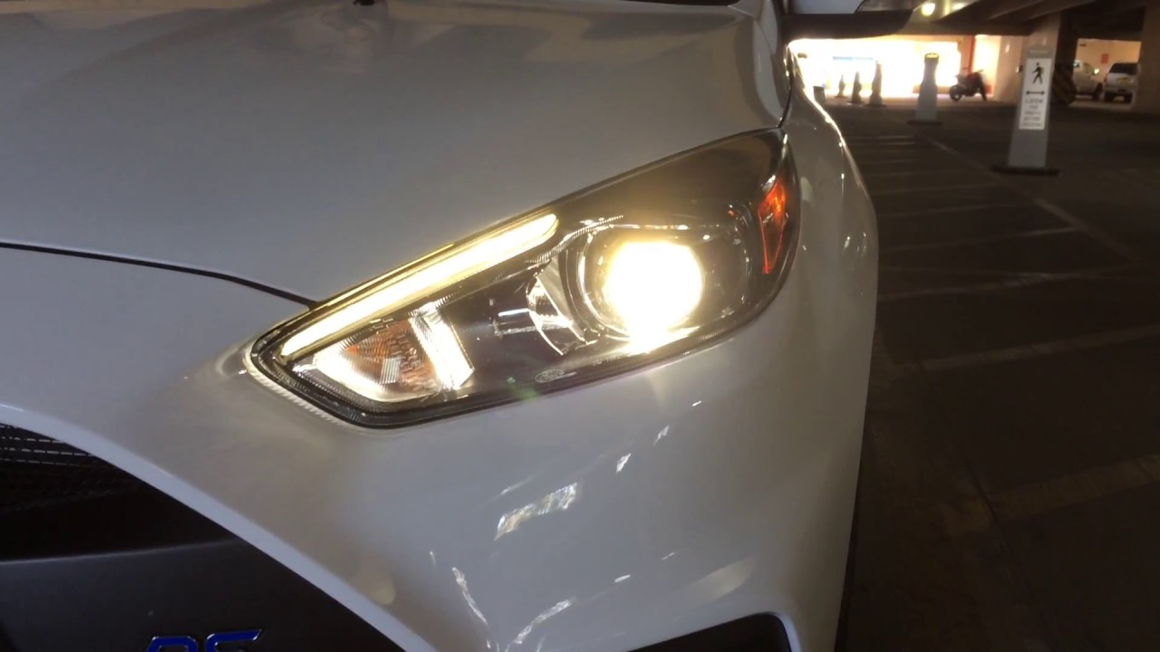 2016 Ford Focus Headlights