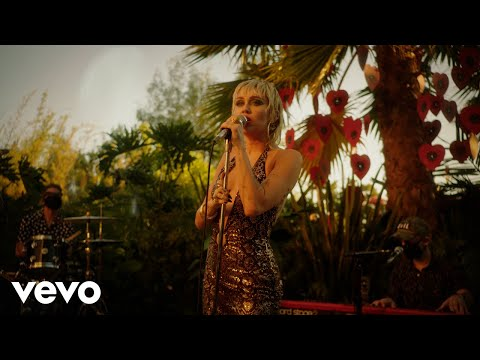 Miley Cyrus - Sweet Jane (MTV Unplugged Presents Miley Cyrus Backyard Sessions)
