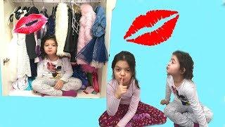 SAKLAMBAÇ GİZLİ ÇİKOLATAYI BUL - DON'T GET KISSED! | HIDE AND SEEK