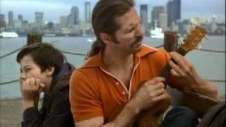 Jeff Bridges singing and playing the ukulele