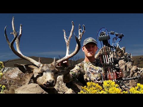 BOW HUNTING open country BUCKS! –  DIY Deer Hunting  (Eastmans' Hunting TV)