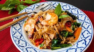 Drunken Noodles in 3 Minutes! Authentic Pad Kee Mao Recipe ผดขเมา