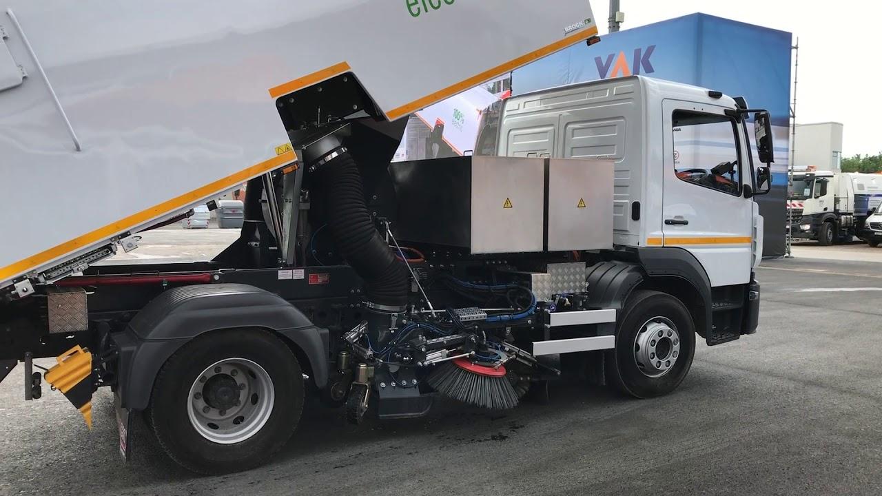 ifat 2018 / vs6e voll elektrische kehrmaschine / truck in action