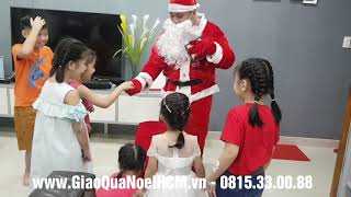 Ông già noel tặng quà cho các bé 2019 !! Dịch vụ giao quà noel 0815.33008808