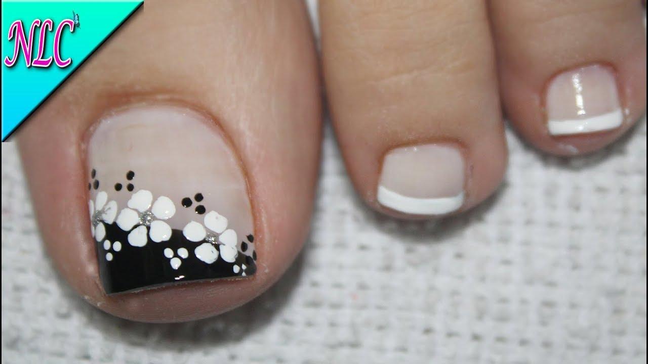 Diseño De Uñas Para Pies Flor Blanco Y Negro Muy Fácil Flowers