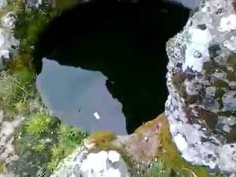 Küp mezar içinde patlayan su tuzagı./Treasure definition define/