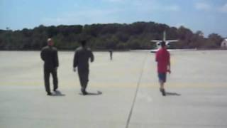 zach running to get on the airplane