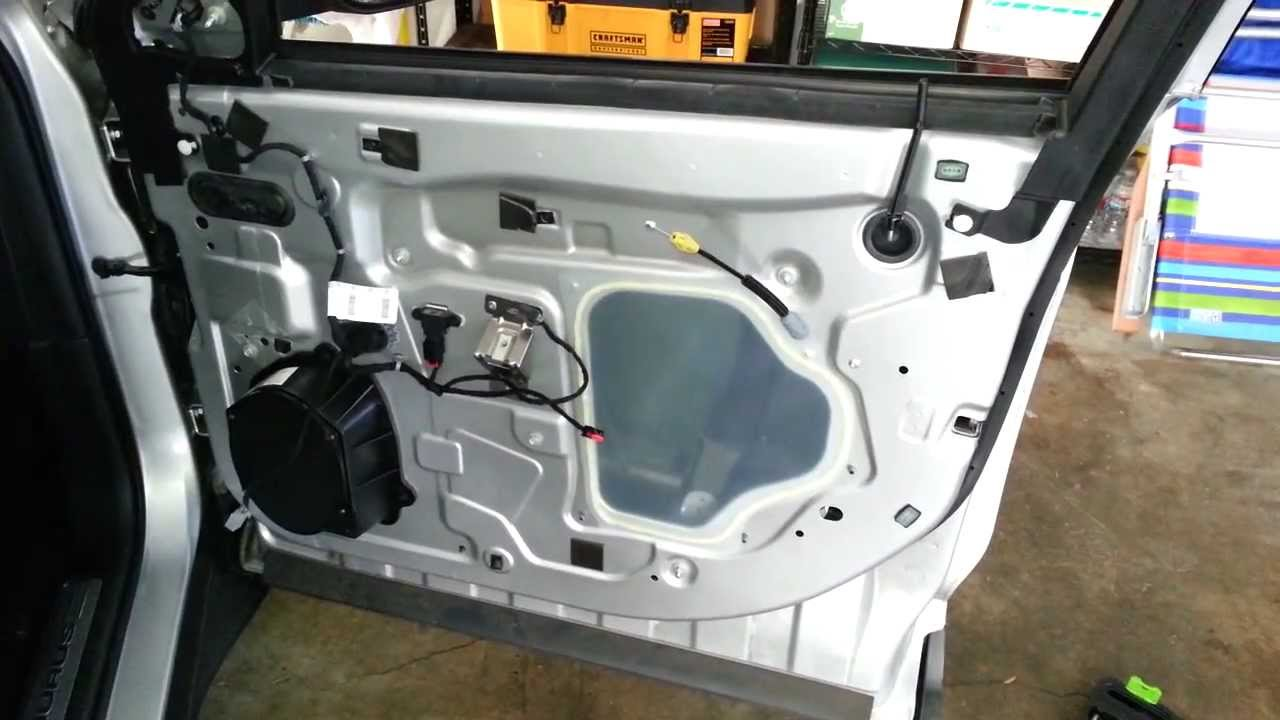 2013 Ford Taurus Metal Door Frame Take Off Plastic