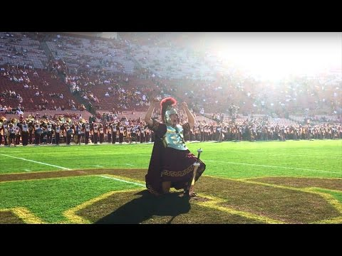 usc-trojan-marching-band-drum-major-pregame-stab-&-entrance
