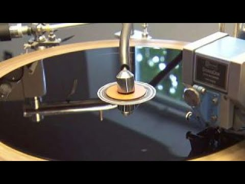 American success story: Manufacturing vinyl records