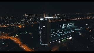 видео Освещение фасадов зданий: коттеджей, магазинов, ресторанов