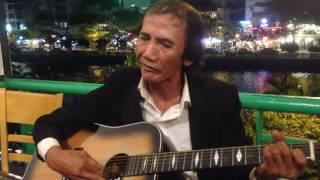 Trăng trên hè phố - Guitar cụ nội Tùng chùa